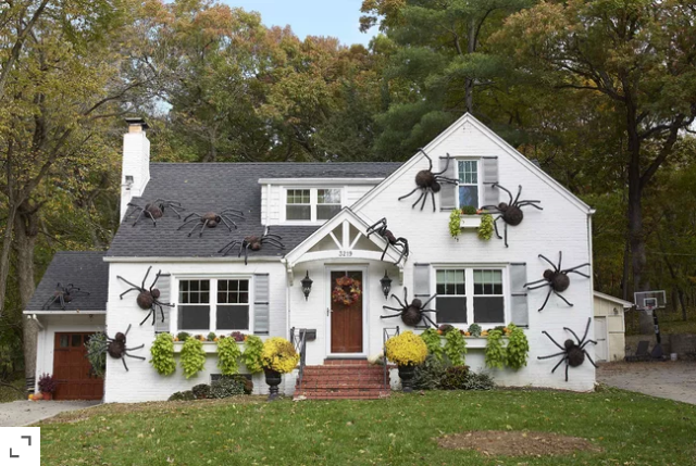 Screenshot_2020-10-25 These Giant DIY Spiders Are Our New Favorite Halloween Decor.png