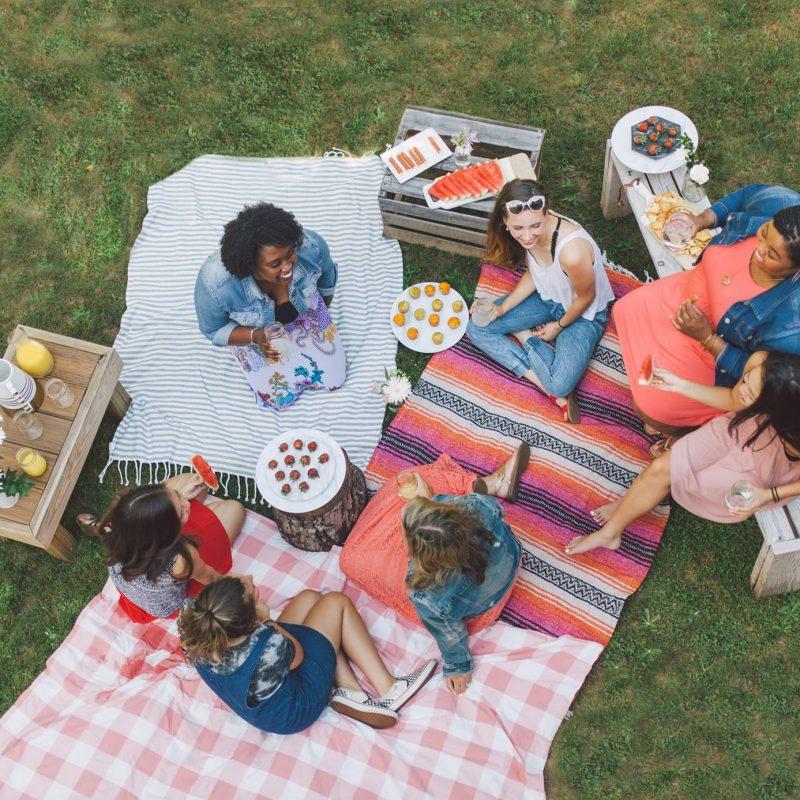 Host a Summer picnic!!