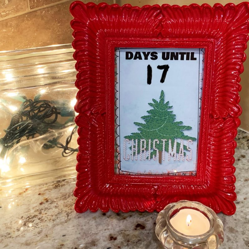 Make an easy Christmas countdown!